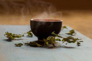 皮膚ガんを予防し、肌を柔らかくする緑茶抽出物